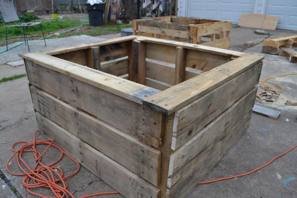 materials - Pallet Garden Bed